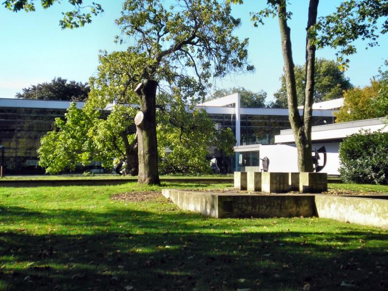 Museum Lehmbruck Duisburg - Ansicht vom Immanuel-Kant-Park