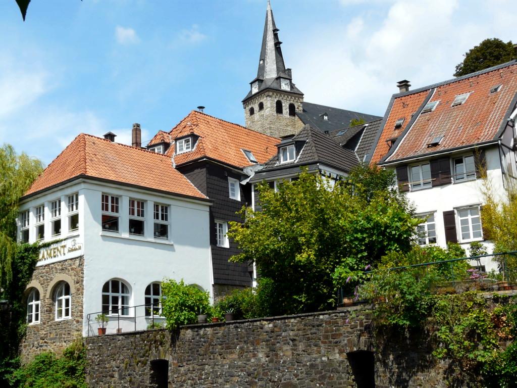 Blick auf die Altstadt von Kettwig oberhalb des Mühlengrabens